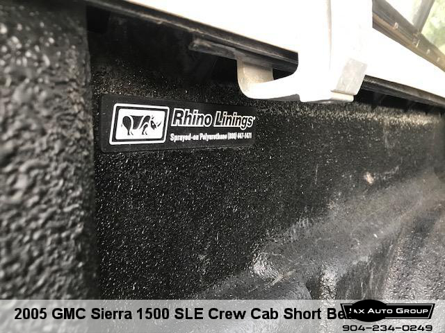 2005 GMC Sierra 1500 SLE Crew Cab Short Bed